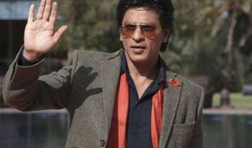 shah rukh khan charms lady tourist on tram in...