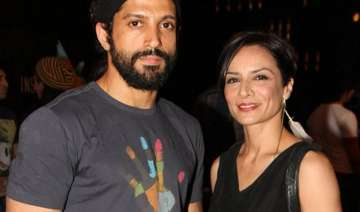 farhan akhtar trying best to avoid messy divorce...