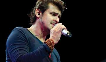 5 air hostesses suspended for allowing sonu nigam...