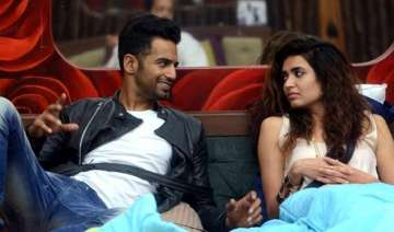 bigg boss 8 halla bol day 9 love is in the air...