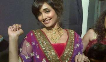 jiah khan helped her maid to marry even after she...