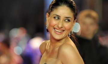 kareena to announce marriage after release of...