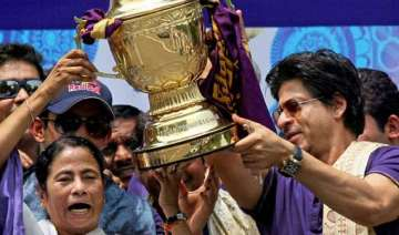 mamata banerjee to felicitate kkr on their win...