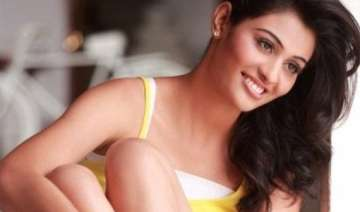 neha hinge never expected a career in bollywood -...