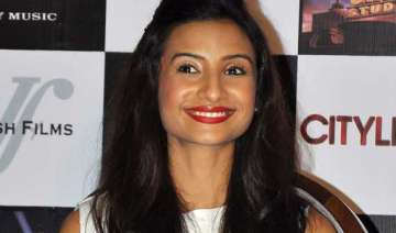 patralekha wants to enter into regional cinema -...