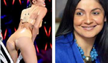 pooja bhatt stands up for miley cyrus - India TV
