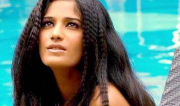 poonam pandey in khatron ke khiladi 4 - India TV
