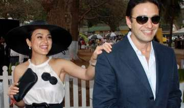 preity zinta ness wadia to go for out of court...