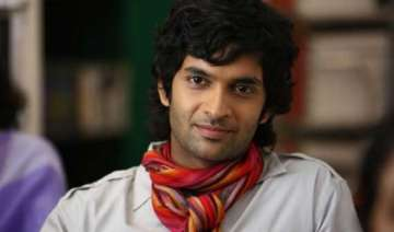 purab dances to dev anand s hit song on jhalak...