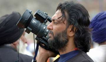 rakesh mehra may shoot bhaag milkha bhaag in...