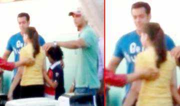 salman khan spotted on the sets of phata poster...