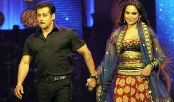 salman unwilling to do intimate scenes with...