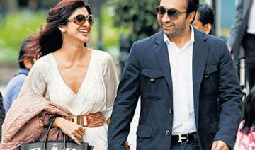 shilpa denies reports on troubled marriage...