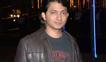 shirish to adopt aamir s marketing fundas for...