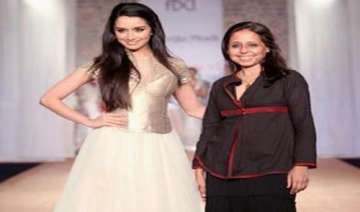 shradda kapoor walks the ramp - India TV