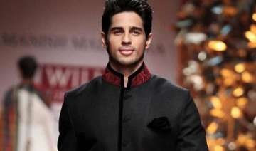 sidharth malhotra to host a show on bollywood...