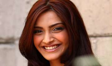 sonam a natural actress doesn t use glycerine to...