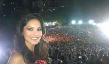 sunny leone s first diwali in new house - India TV