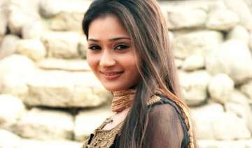 tv actor sara khan interrogated by mumbai police...