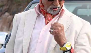 why the bachchans wear 2 watches - India TV