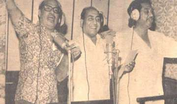 you listen to my songs i listen only to manna dey...