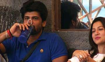 bigg boss 7 kushal grabs andy by neck ordered to...
