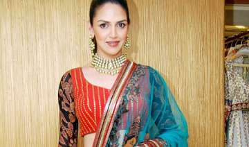 esha deol turns producer - India TV
