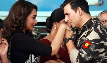 akshay sonakshi starrer holiday to go over rs.50...