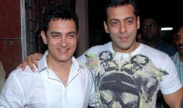 salman aamir s go for a night out in delhi see...