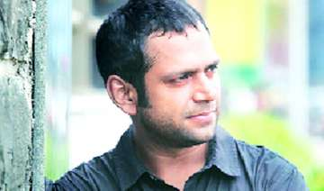 sharib hashmi sold home wife s jewellery to...