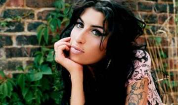 amy winehouse cremated after memorial service -...