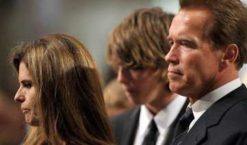 arnold schwarzenegger s wife files for divorce -...