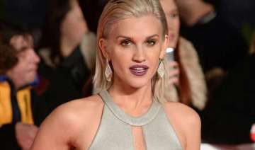 ashley roberts confirms pussycat dolls reunion -...
