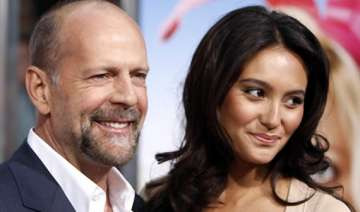 bruce willis loves to bargain - India TV