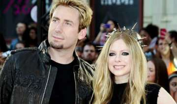 chad kroeger admires wife avril lavigne s cooking...