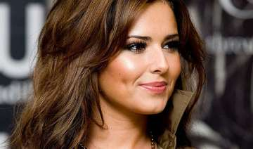 cheryl cole slams twitter trolls - India TV