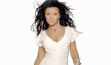 christina aguilera first celeb to be honoured on...