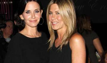 courteney cox moves on in love life - India TV