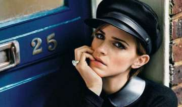 emma watson bags queen of the tearling - India TV