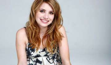 emma roberts ignores male fashion advice - India...