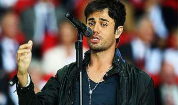 enrique iglesias bilingual songs keep me on my...