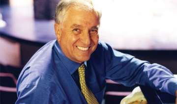 garry marshall donates bench to church - India TV