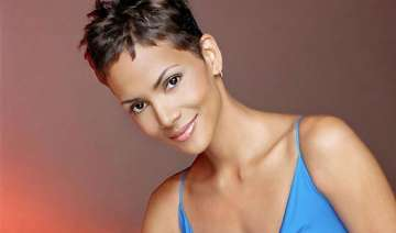 halle berry s alleged stalker charged with...