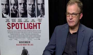 tom mccarthy s spotlight bags best picture award...