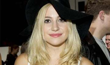 pixie lott plans a quirky 2015 - India TV