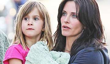 daughter coco planning courteney cox s wedding -...