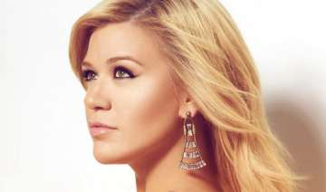 kelly clarkson drops hint about new album - India...