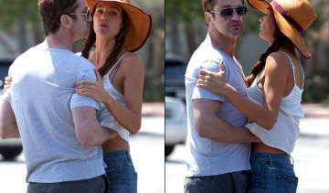 gerard butler caught with hands up girlfriend s...