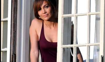 jennifer lopez starrer the boy next door to...
