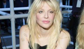 courtney love is a huge fan of one direction -...